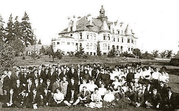 UW Class of 1910 In the background is Denny Hall, original home to the Department of Scandinavian Languages and Literature.