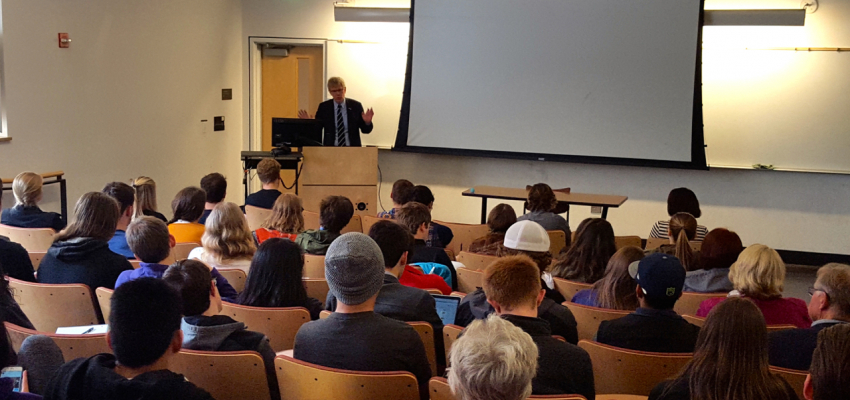 Ambassador Lyrvall speaking to Scandinavian Studies Students